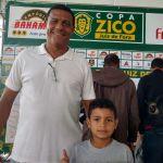 Gomes, ex-Tupi, e o filho João Lucas