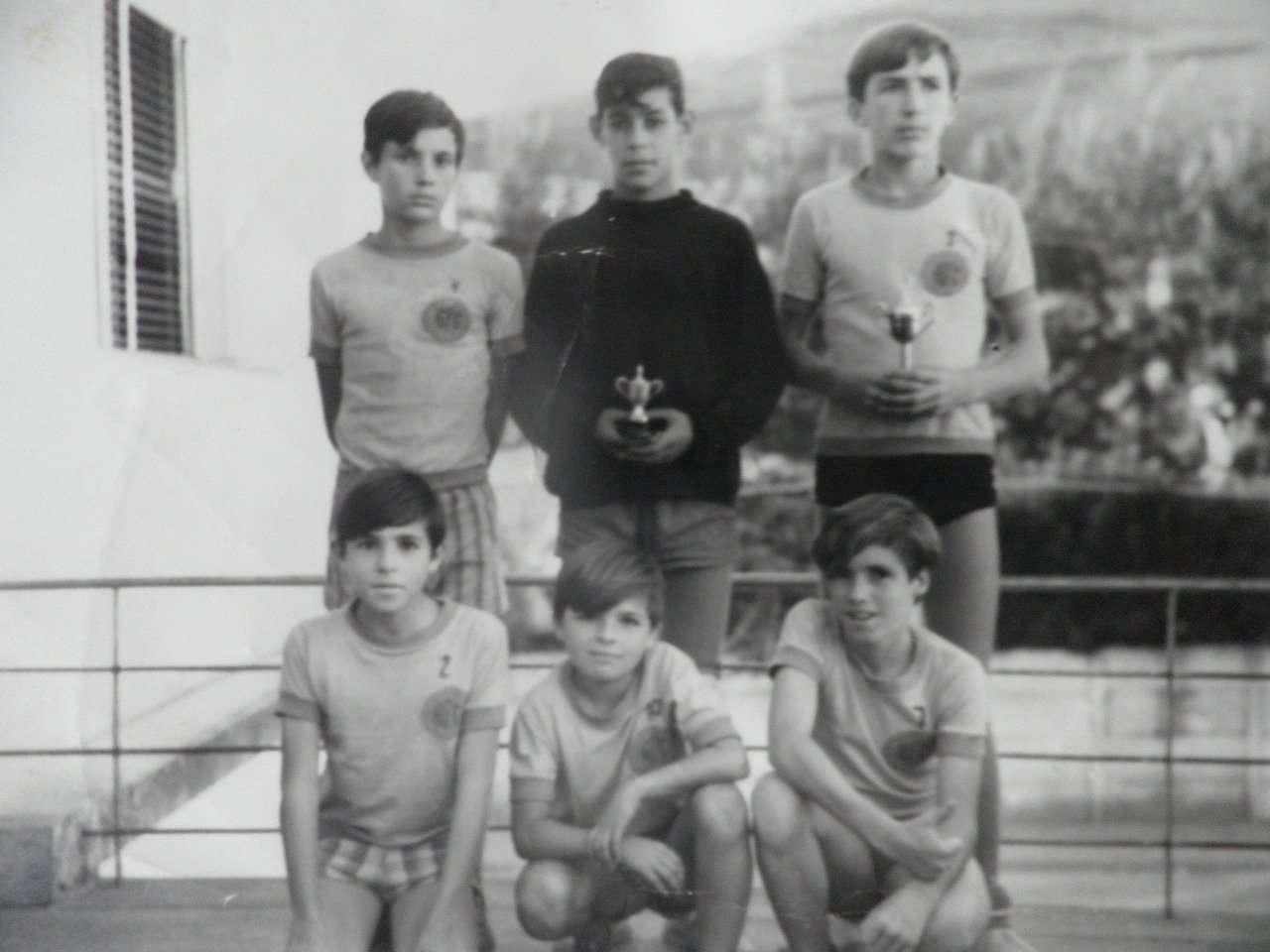 Memória! 'Época de ouro' do futebol de salão local é retratada em livro