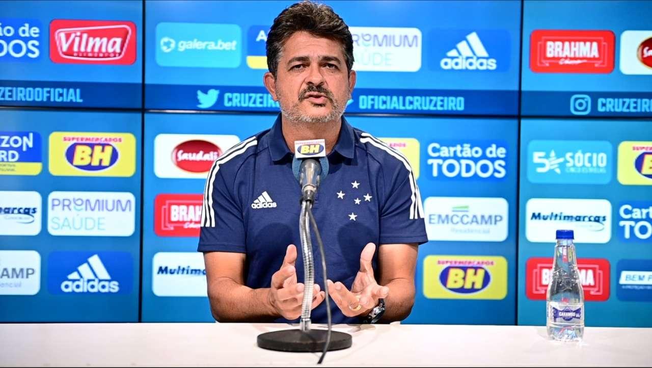 """""""Convocado"""", Ney Franco já se apresentou ao Cruzeiro"""