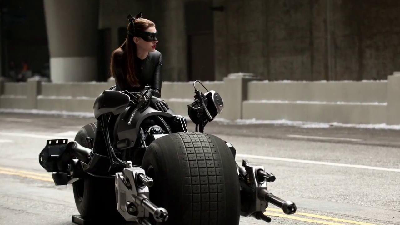 Anne Hathaway Catwoman D  Wallpapers HD Desktop and Mobile