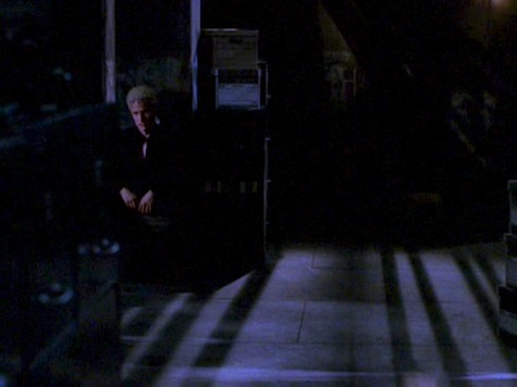 Buffy the Vampire Slayer, Help, Spike