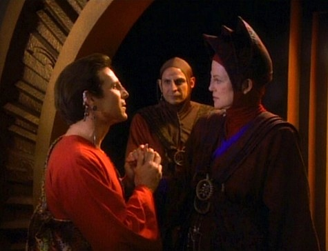 Star Trek: Deep Space Nine Rewatch on Tor.com: In the Hands of the Prophets