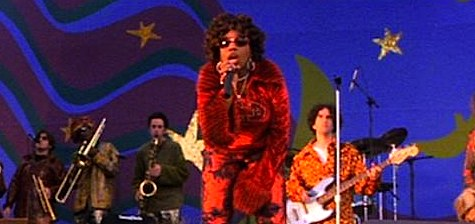 Hurry, Macy Gray! Use your powers!