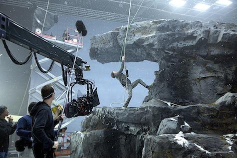 Upside Down movie review Jim Sturgess Kirsten Dunst Juan Solanas gravity special effects CGI green screen