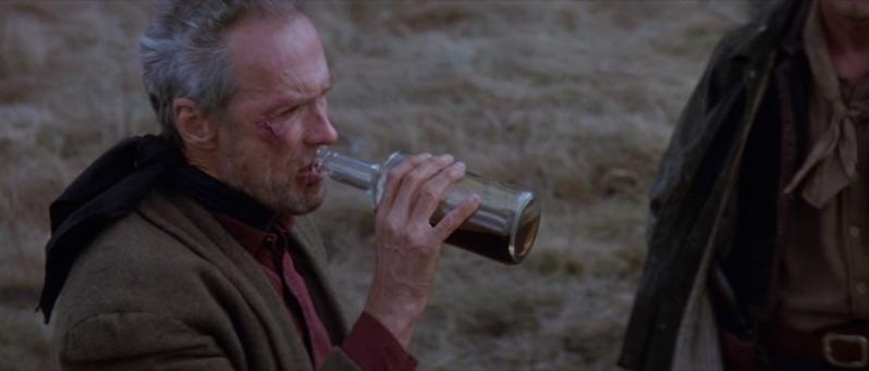 Clint Eastwood, los inicios del ultimo mito - Página 6 Munny-drinking