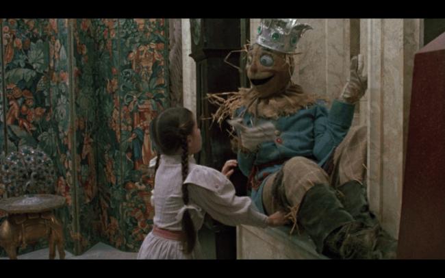 01 Scarecrow