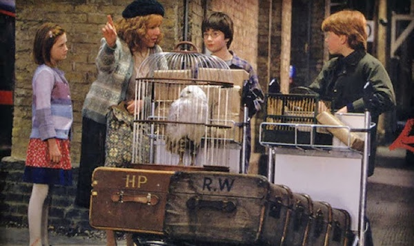 Weasleys train platform