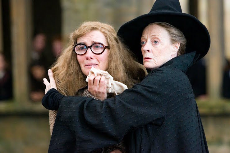 """EMMA THOMPSON as Sybill Trelawney and MAGGIE SMITH as Minerva McGonagall in Warner Bros. Pictures' fantasy """"Harry Potter and the Order of the Phoenix.€ PHOTOGRAPHS TO BE USED SOLELY FOR ADVERTISING, PROMOTION, PUBLICITY OR REVIEWS OF THIS SPECIFIC MOTION PICTURE AND TO REMAIN THE PROPERTY OF THE STUDIO. NOT FOR SALE OR REDISTRIBUTION"""