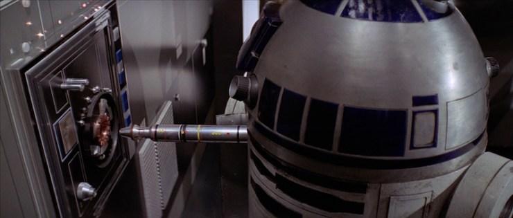 R2, socket