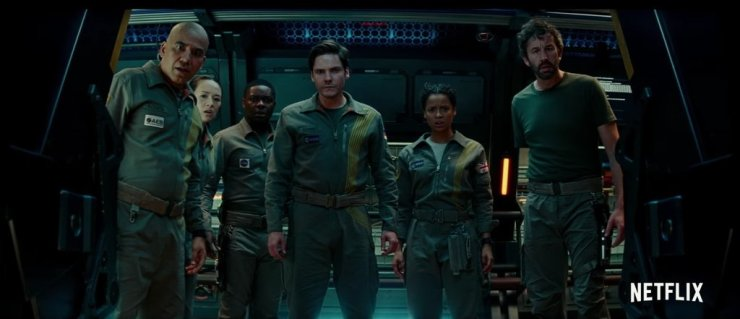 The Cloverfield Paradox movie review Netflix Cloververse
