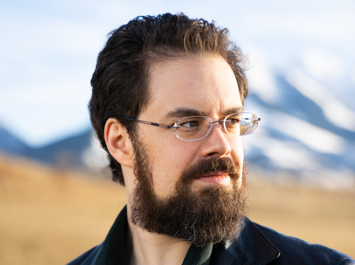 Tor Books to Publish a New Science Fiction Novel From Eragon Author Christopher Paolini