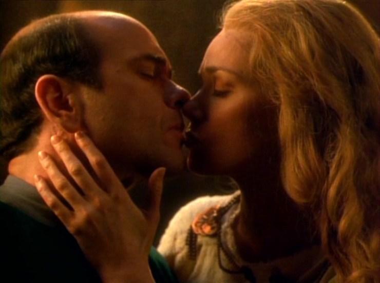 The Doctor (Robert Picardo) and Freya (Marjorie Monaghan) in Star Trek: Voyager