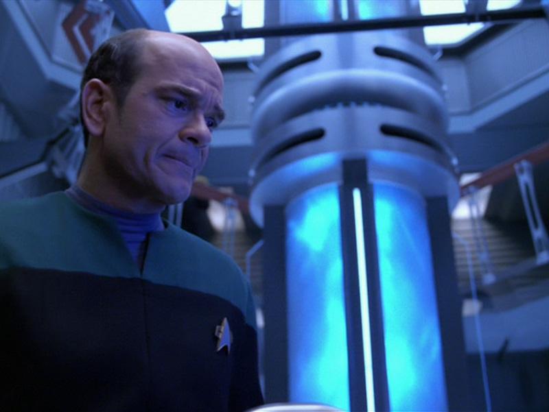 """Star Trek: Voyager Rewatch: """"Warhead"""""""