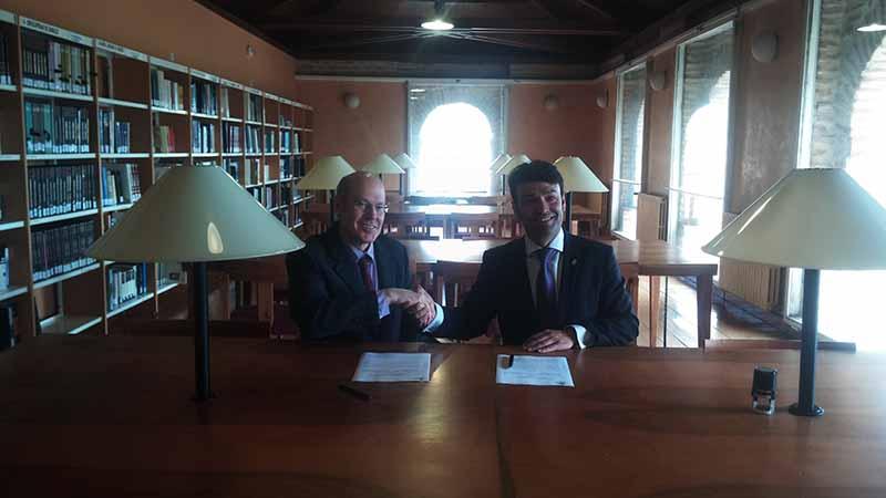Carlos V ya tiene su lugar en la Biblioteca de Tordesillas