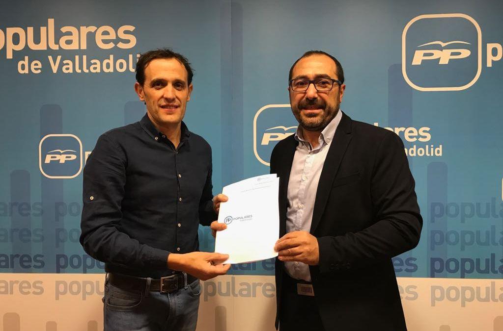 Miguel Ángel Oliveira presenta su candidatura a presidir el PP en Tordesillas