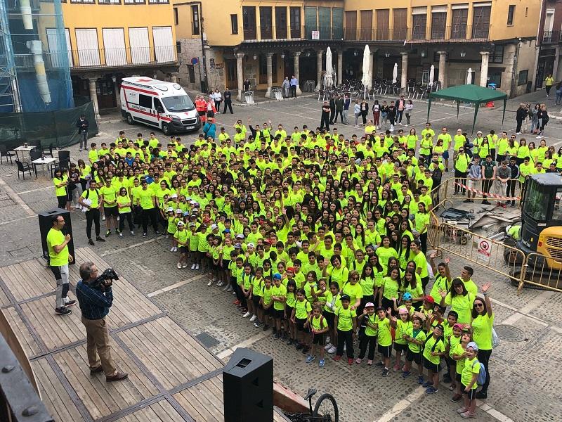 """700 alumnos participan en la I edición del """"Día de la Educación Física en la calle"""""""