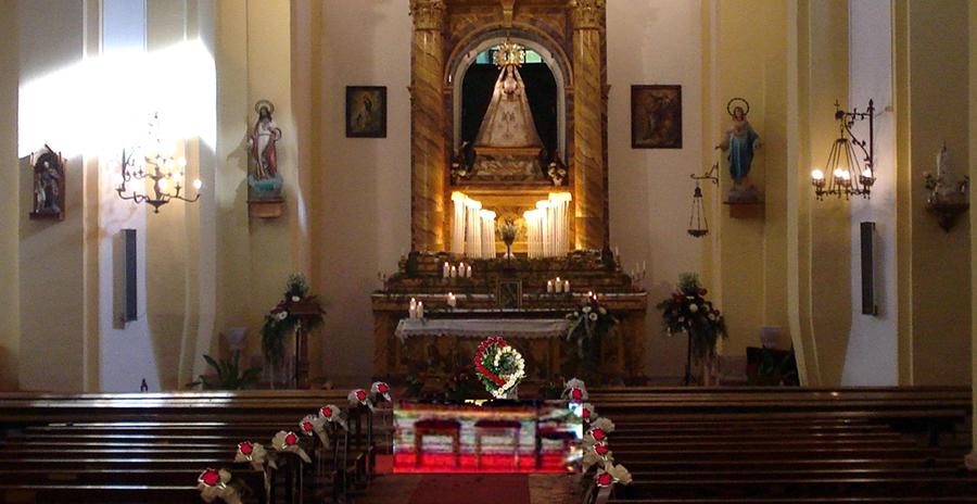 La Cofradía de la Virgen de la Peña reivindica las celebraciones en la ermita