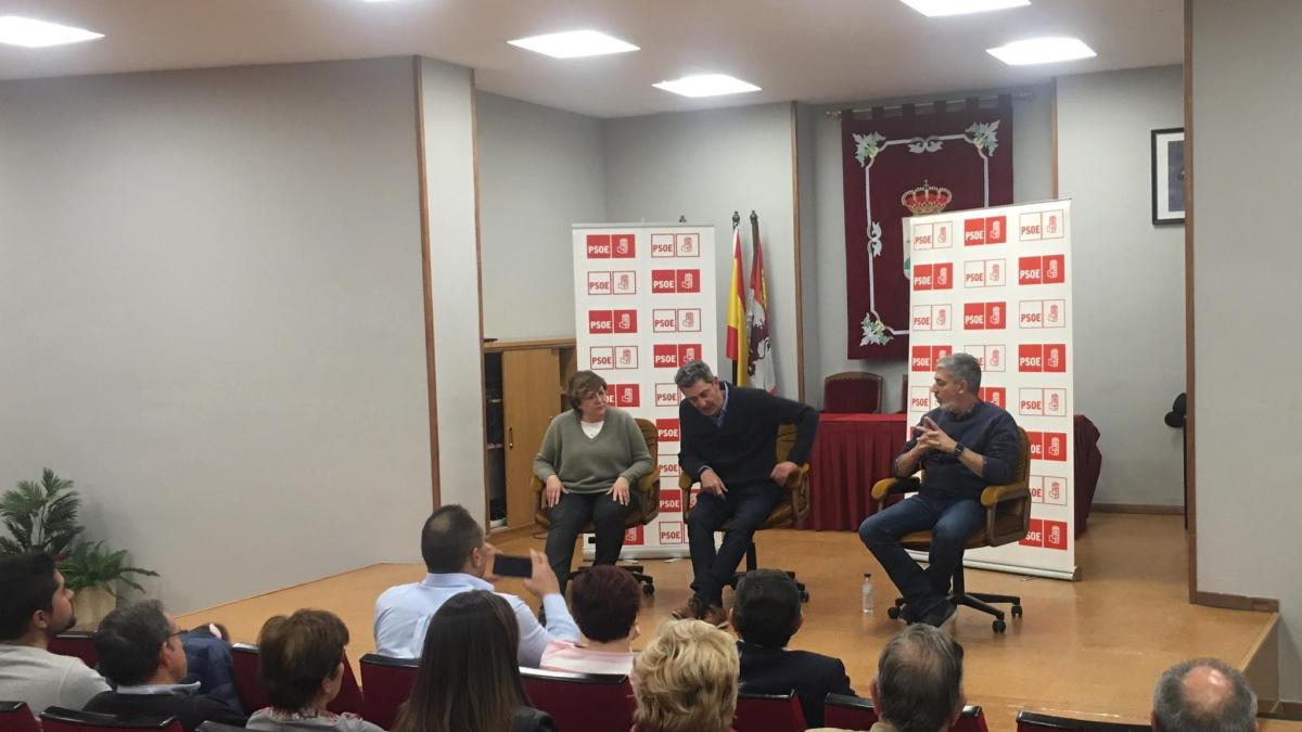 """Escarda, Caballero y Barba defienden en Tordesillas que el PSOE """"es la única opción de gobierno"""""""