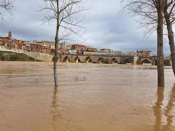 Alerta ante el nivel de crecida del Duero a su paso por Tordesillas