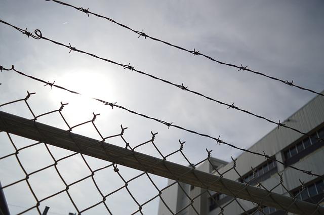 Prisión con fianza para la mujer detenida por apuñalar a su marido gravemente con un arma blanca