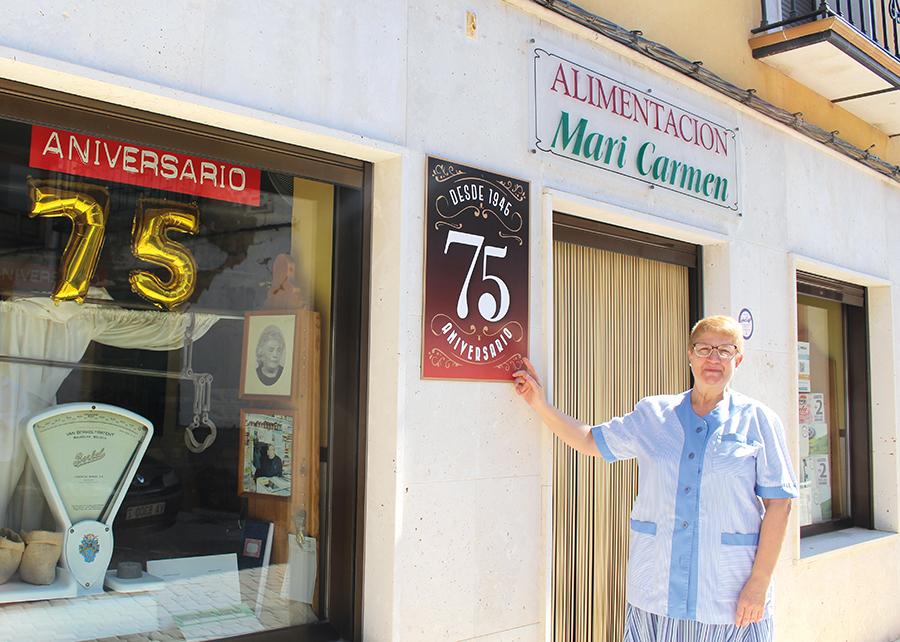 Alimentación Mari Carmen cumple 75 años ofreciendo el mejor producto y el trato más cercano a los tordesillanos