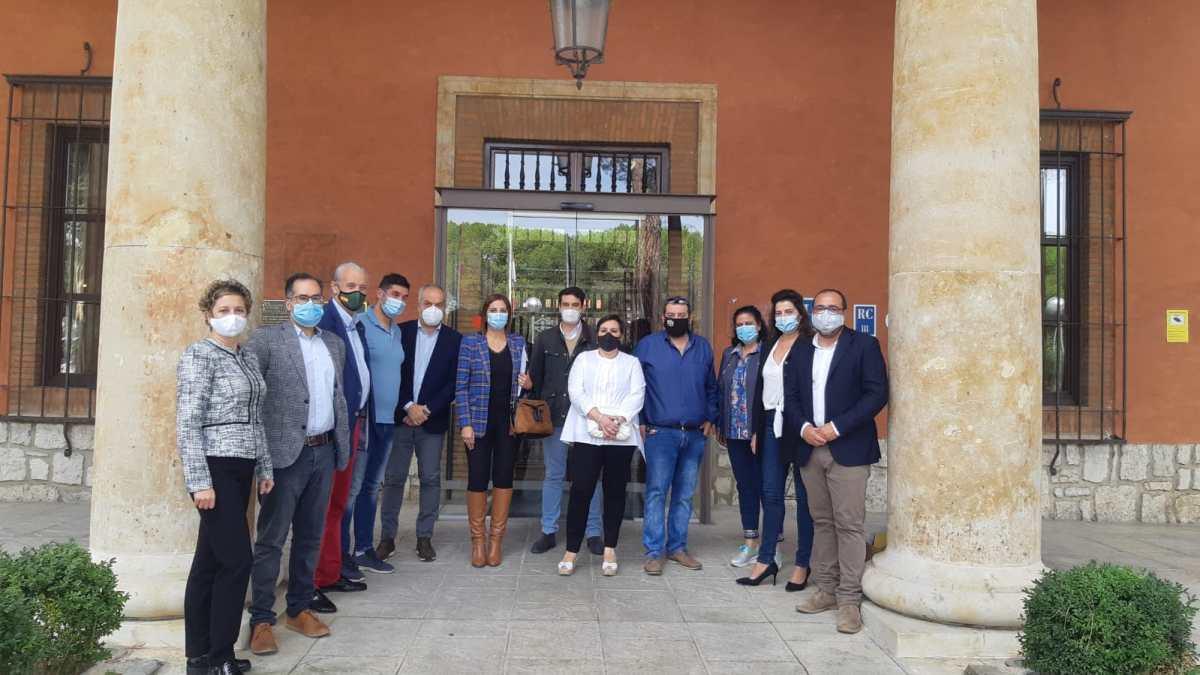 Ayuntamiento, Alimentos de Valladolid y los empresarios tordesillanos, unidos para potenciar los productos locales