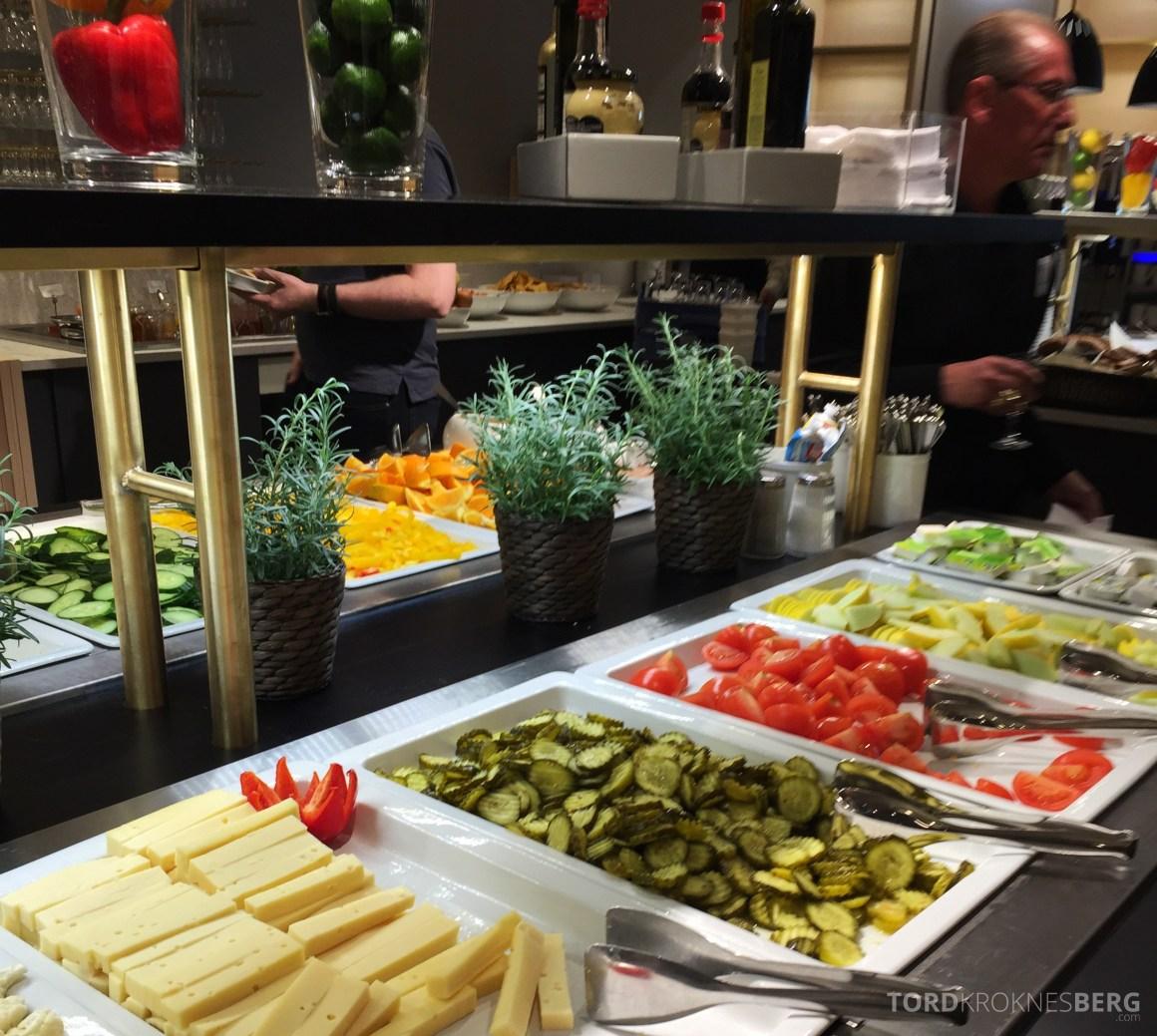 SAS Gold Lounge Oslo buffet