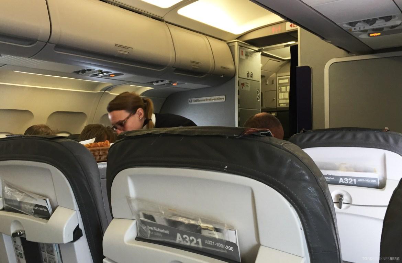 Lufthansa Business Class Frankfurt Oslo kabin