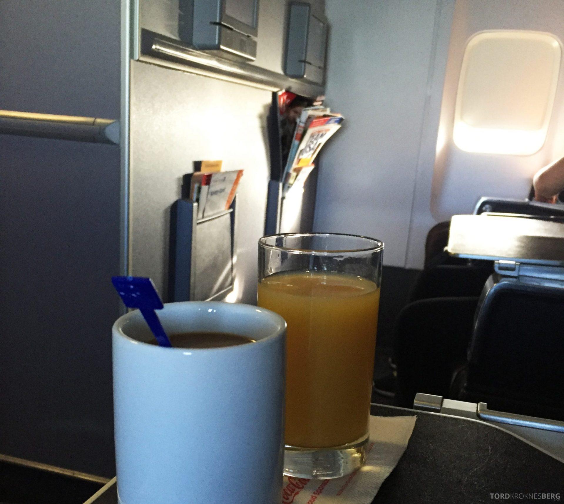 United Business Class San Juan til Houston drikke