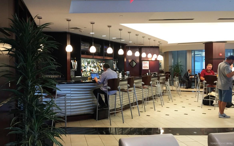 United Club Lounge Houston bar