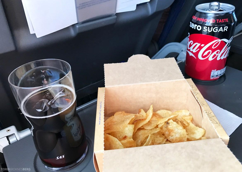 SAS Plus Barcelona chips og cola