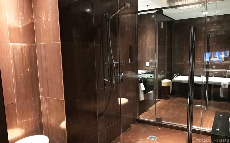 Presidential Suite JW Marriott Marquis Miami bad