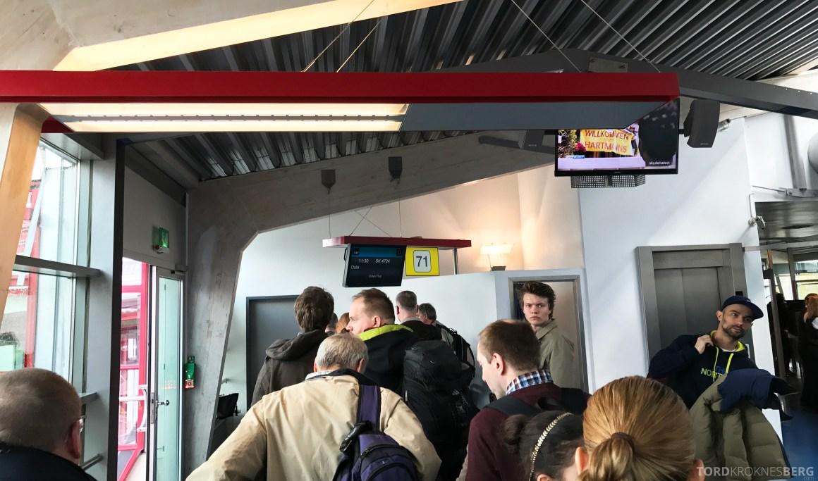 SAS Go Berlin boarding