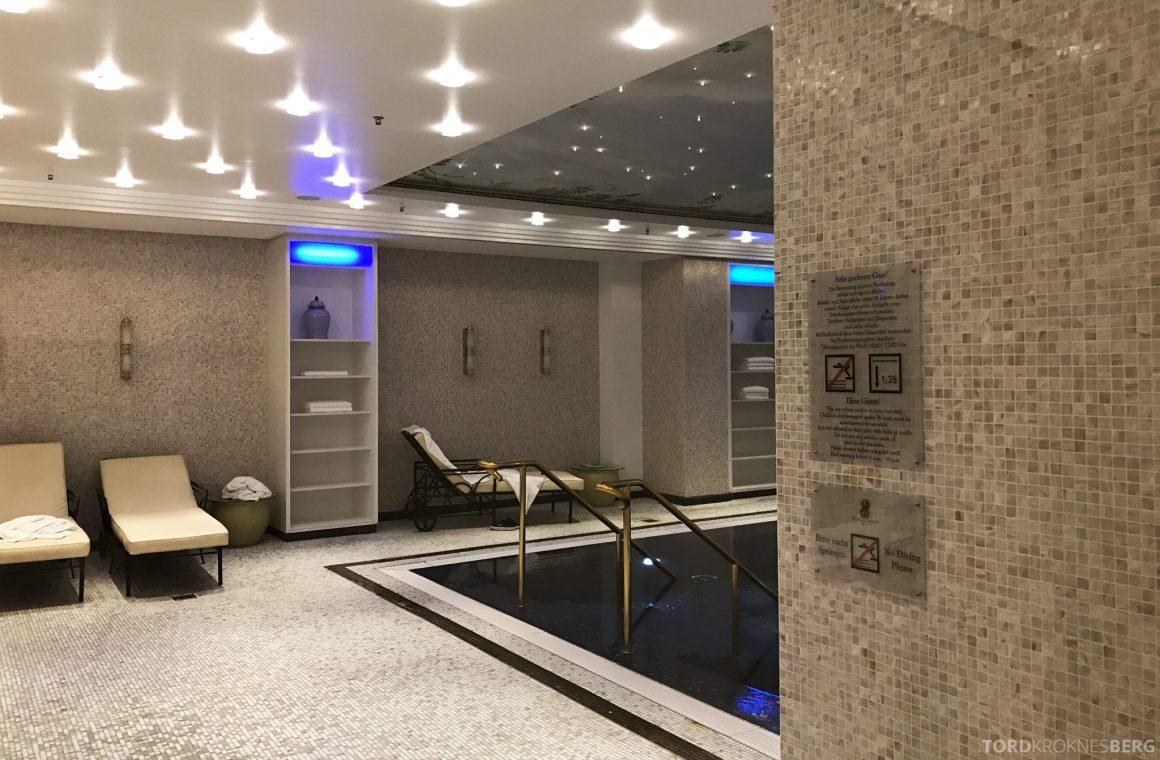 The Ritz-Carlton Berlin basseng