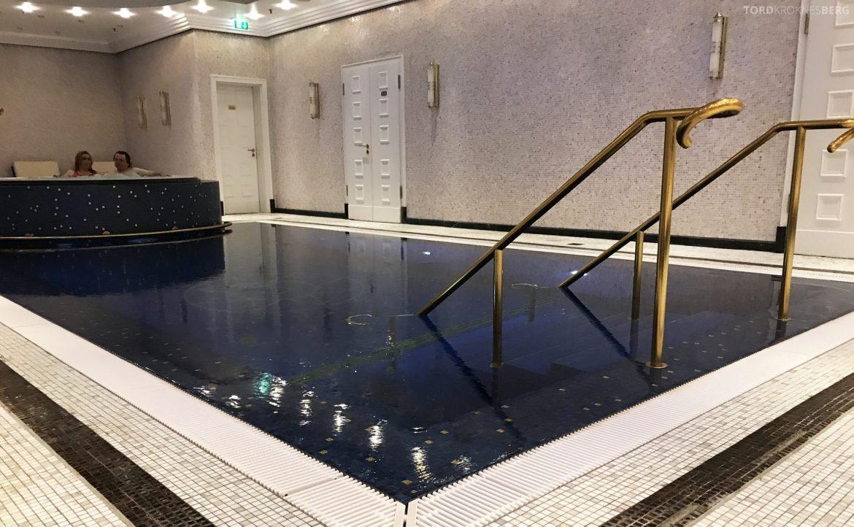 The Ritz-Carlton Berlin jacuzzi