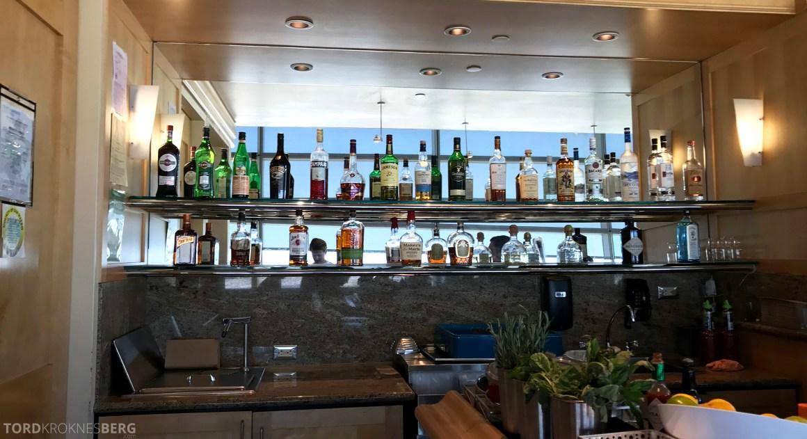 United Club Lounge San Francisco bar alkohol
