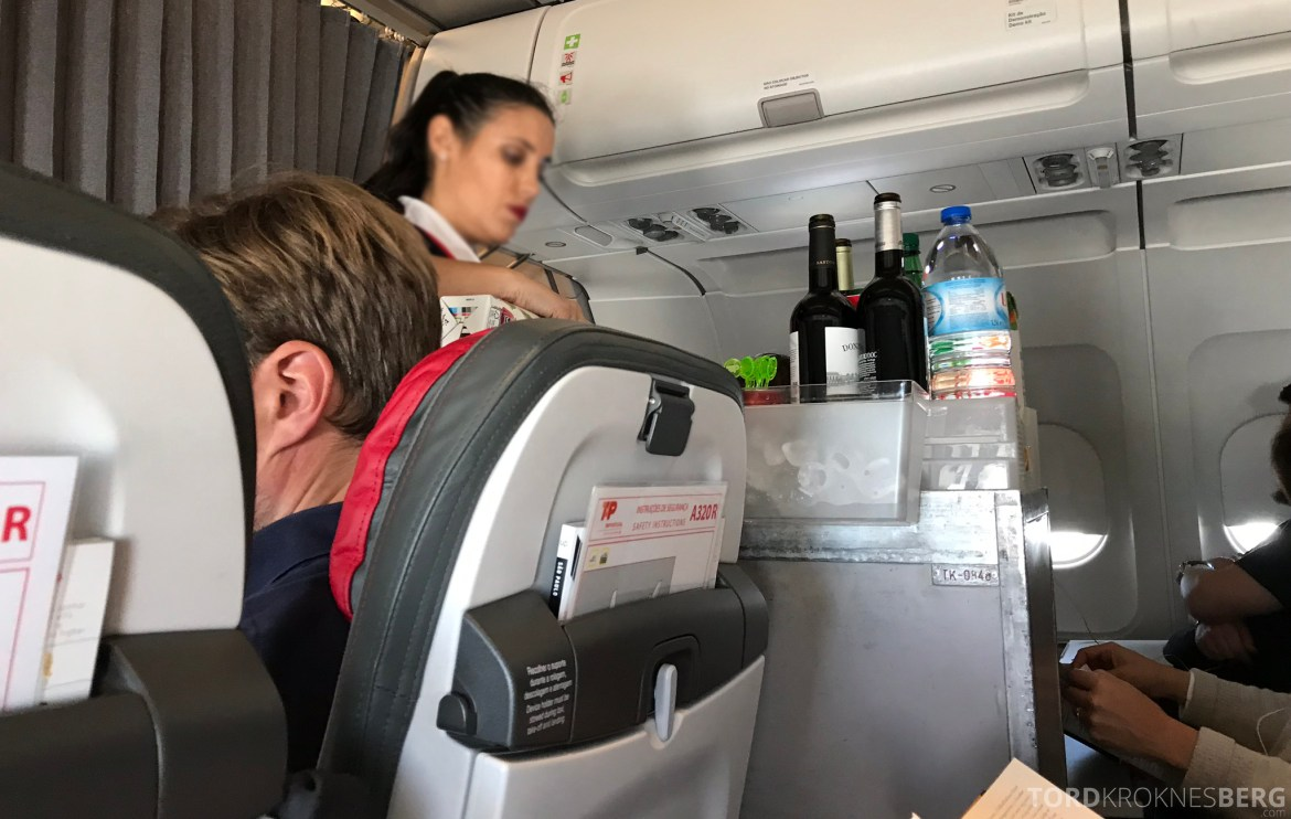 TAP Portugal Business Class New York Lisbon Oslo servering