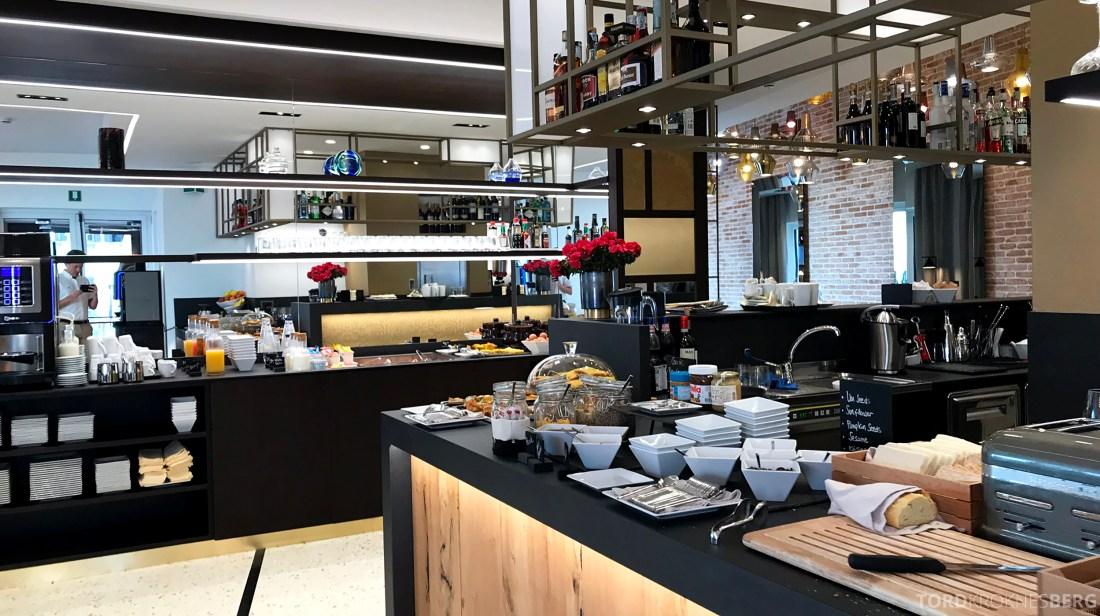 AC Hotel Venezia by Marriott frokostbuffet