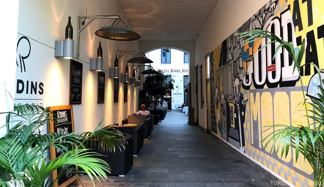 Restaurant Rodins Bistro Oslo inngang Karl Johan