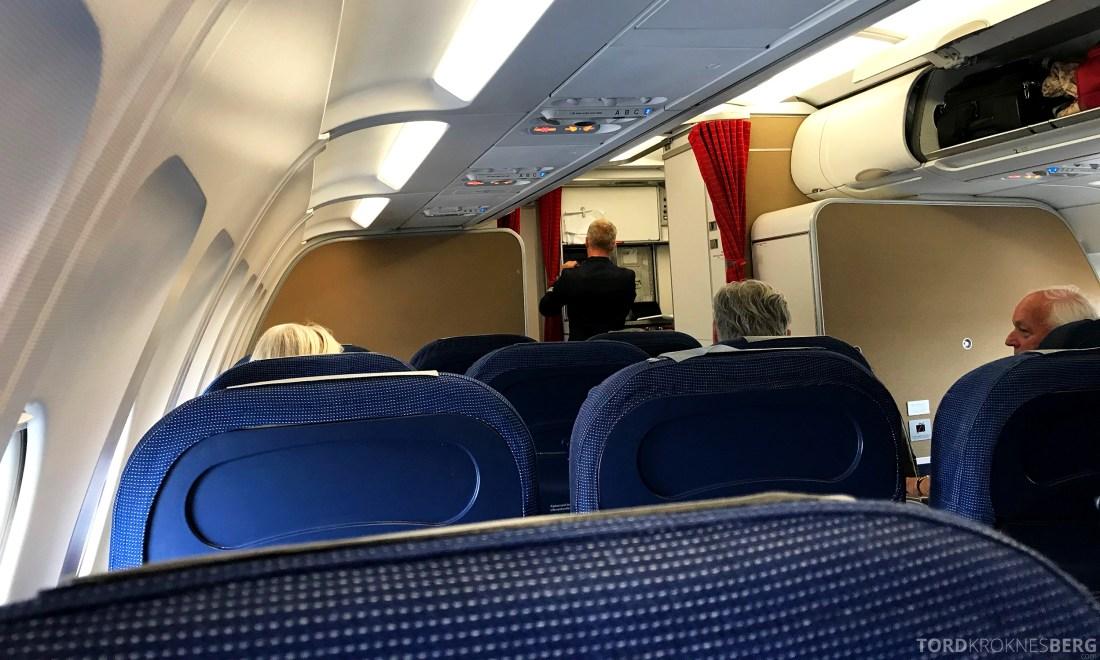 SAS Plus Oslo Praha kabin