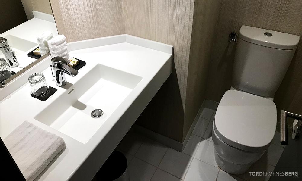 Renaissance La Defense Hotel Paris toalett suite