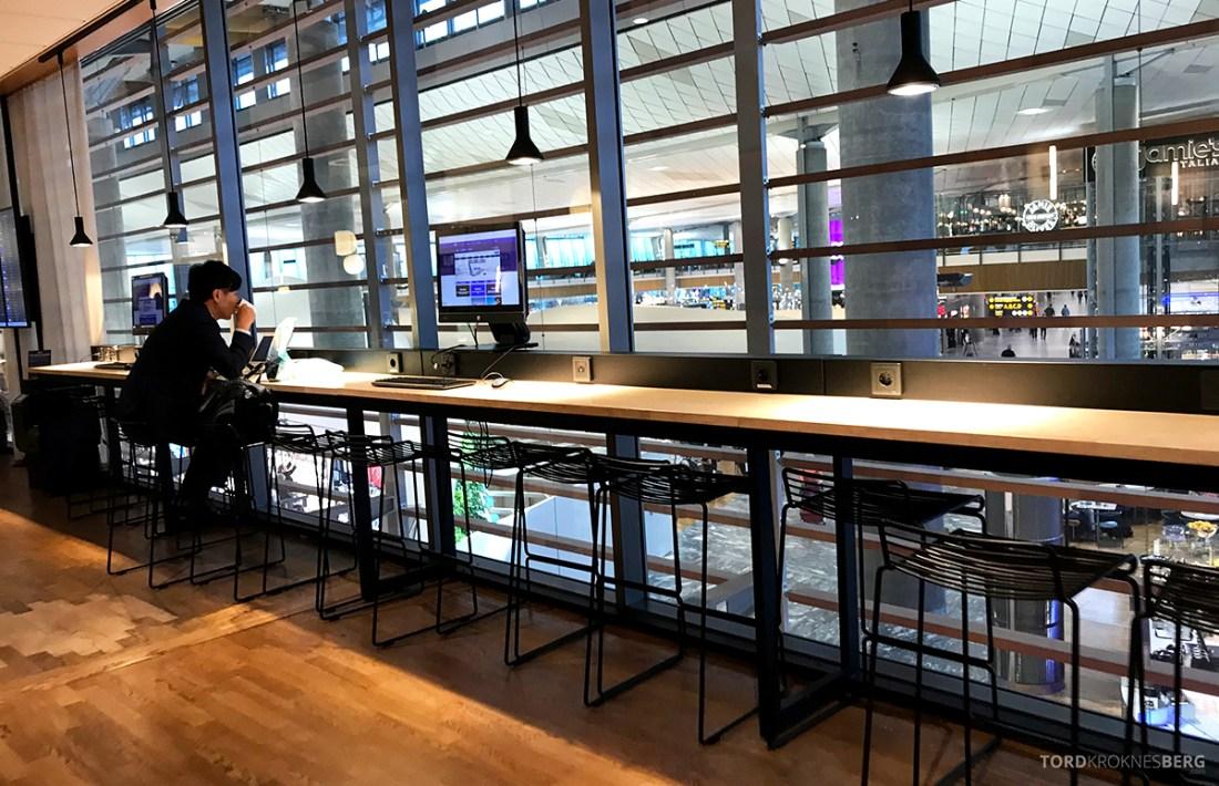 SAS Lounge International Oslo Gardermoen bardisk