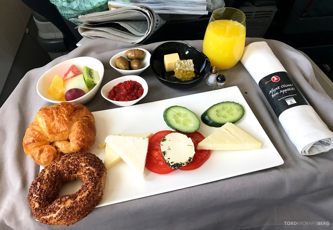 Turkish Airlines Business Class Doha Istanbul Oslo tyrkisk frokost