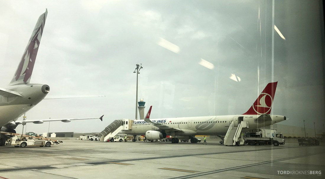 Turkish Airlines Business Class Doha Istanbul Oslo flyvemaskin