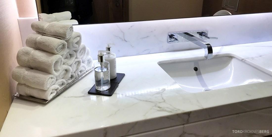 JW Marriott Hotel Grosvenor House London Executive Lounge toalett
