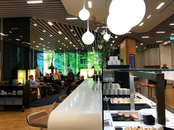 Lufthansa Senator Lounge London Heathrow dessertbuffet