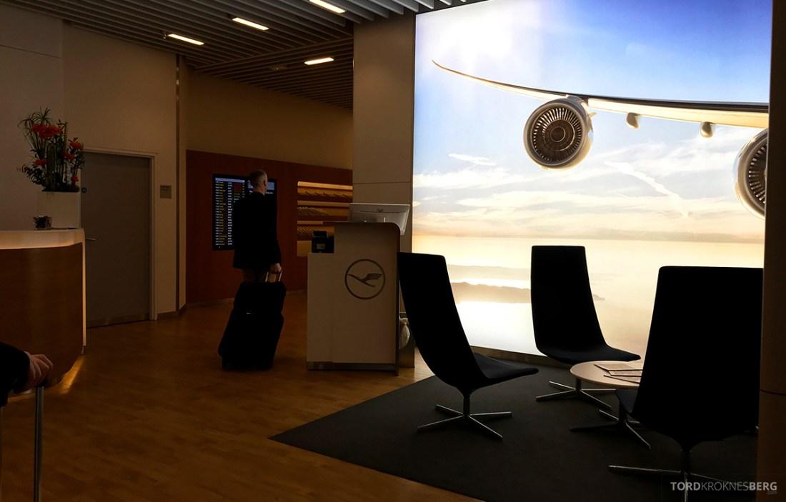 Lufthansa Senator Lounge London Heathrow resepsjon