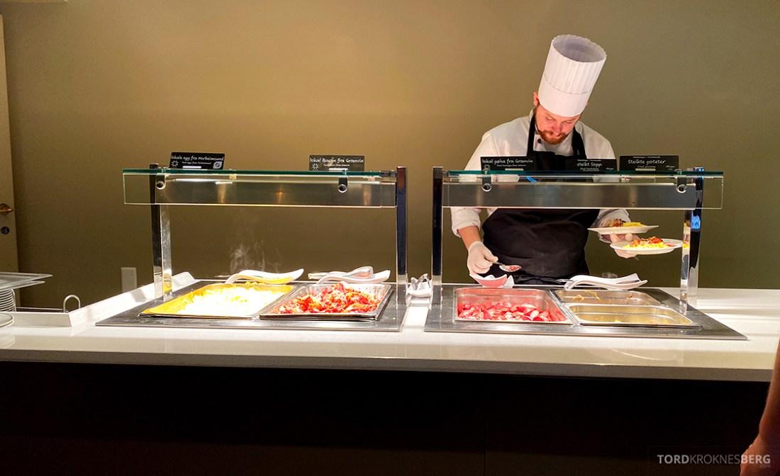 Hotel Ullensvang Hardanger Norge frokost varmmat