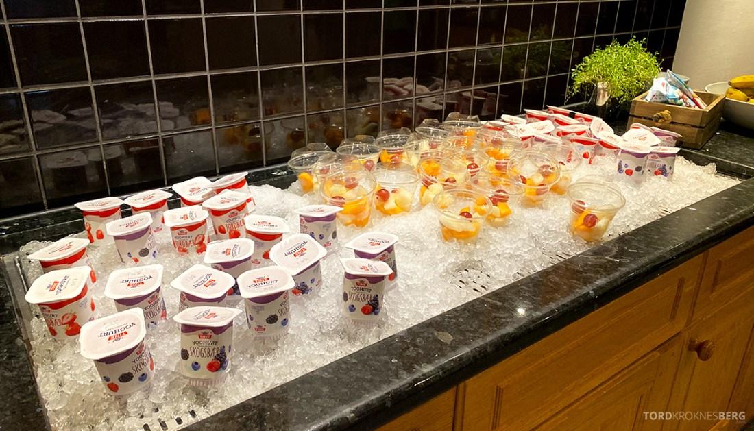 Scandic Alexandra Hotel Molde frukt og yogurt