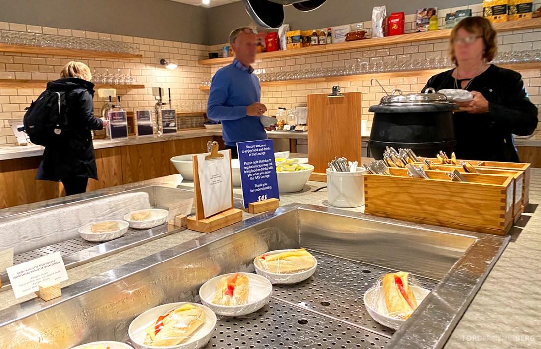 SAS Lounge Oslo Corona buffet